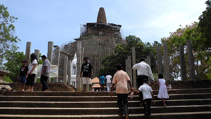 A Guided Visit To Anuradhapura