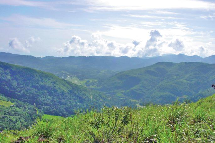 Trekking in Knuckles Mountain Range to Riverston