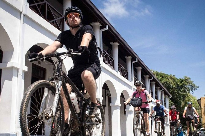 Cycle in Galle Dutch Fort